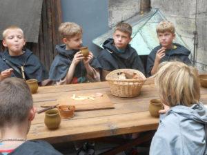 Spielstationen - historisches Mittelalterspiel